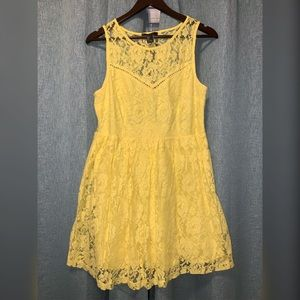 Forever 21 Yellow Lace Dress Size L
